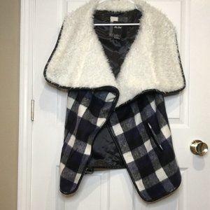 Me Jane Women's Vest Plaid with Cream Fur, Size L